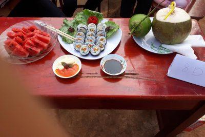 Hoạt động ngoại khóa thi nấu ăn và thuyết trình bằng tiếng Anh